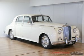 SOLD Bentley S2