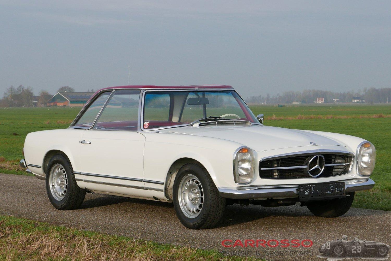 1967 メルセデス-ベンツ 230 SL Pagode
